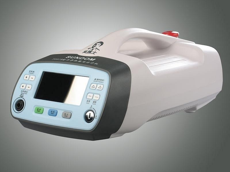 Laserový přístroj proti bolesti Sundom