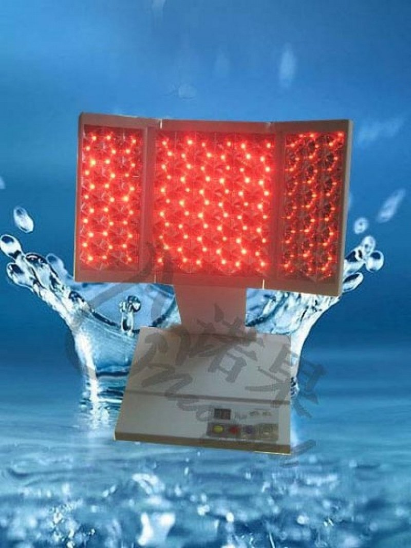 Biolampa s polarizací světla ve třech rovinách