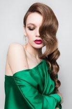 Žena s dlhými vlasmi
