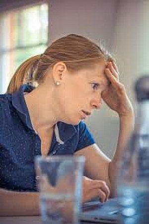 zena ve stresu